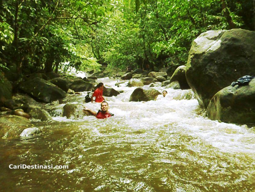 Air Terjun Sekayu – Destinasi BEST Mandi Manda di Terengganu