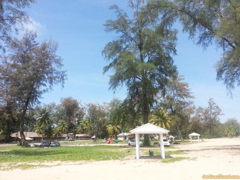holiday in kelantan beach