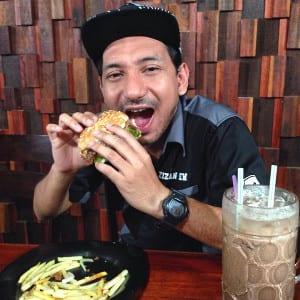 kedai makan artis malaysia-L