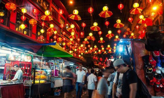 Kuala Lumpur shopping night market