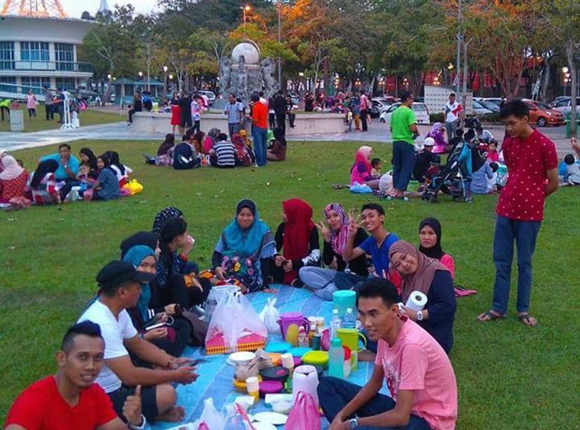 Dataran Sibu Sarawak buka puasa ramai ramai