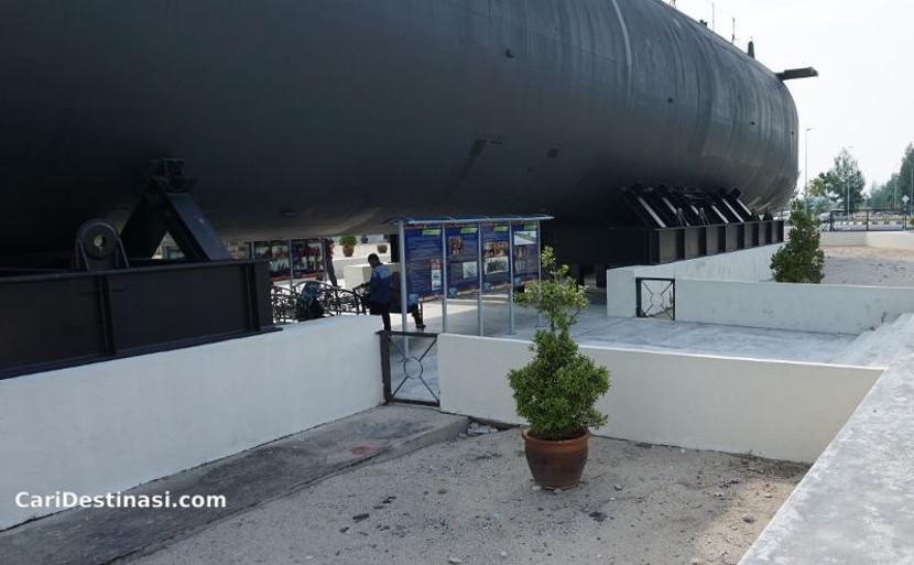 apa menarik di submarine museum melaka