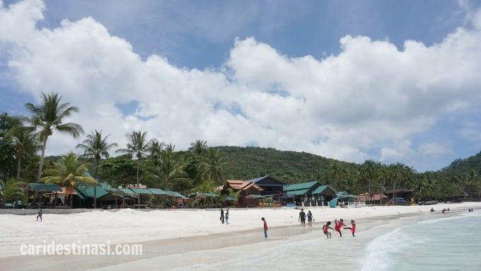 hotel dekat pantai pulau redang