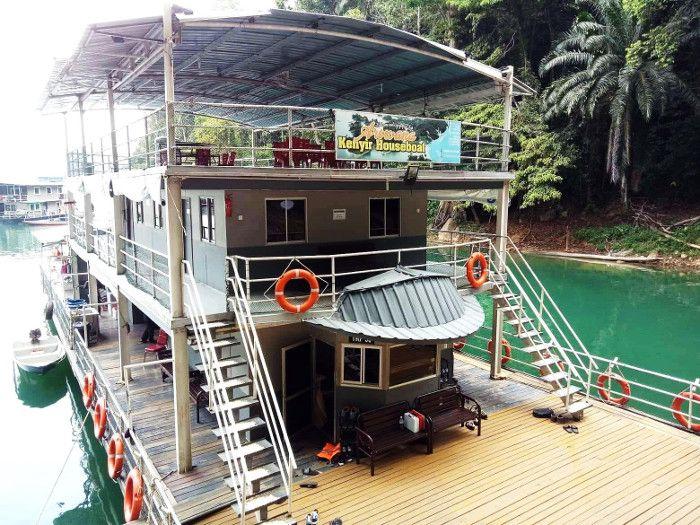 houseboat tasik kenyir terengganu