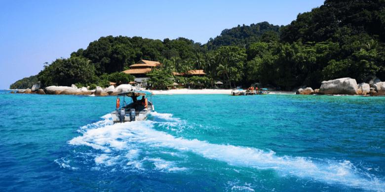 Pulau Lang Tengah - Jelajah Pulau ke Pulau (Island Hopping)