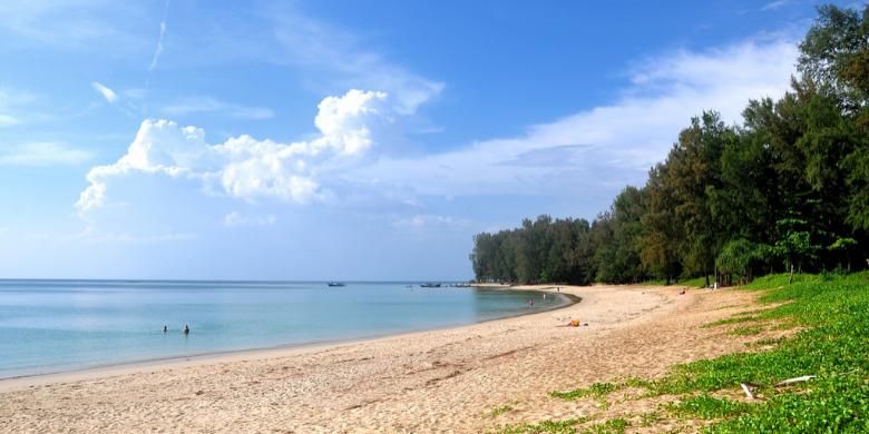 Berenang di Air Biru Yang Jernih Pulau Andaman