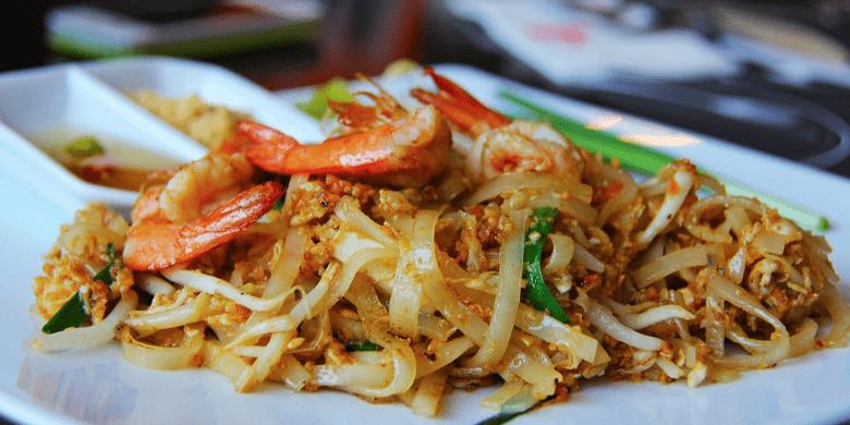 Koh Lipe - Menikmati Hidangan Pad Thai Yang Sedap