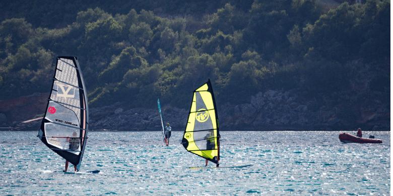 Pulau Sibu - Luncur Angin (Windsurfing)