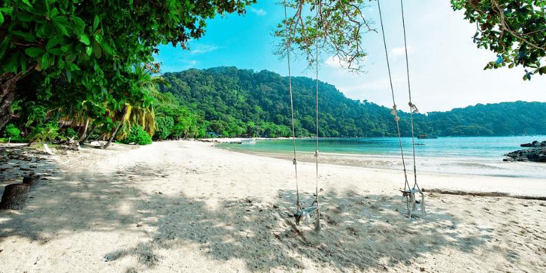 Pulau Tenggol - Bersantai Di Atas Pantai